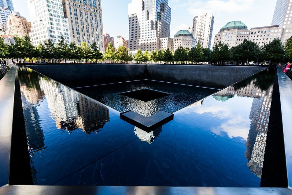 L'un des bassins du mémorial du World Trade Center